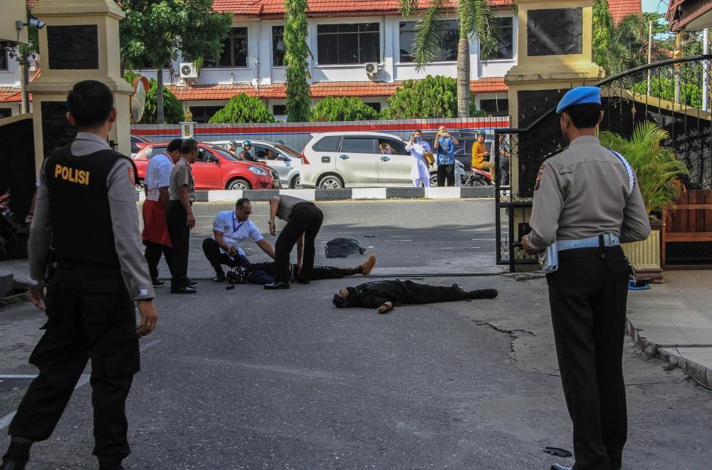 مقتل شرطي و4 مسلحين بهجوم على مركز للشرطة في إندونيسيا