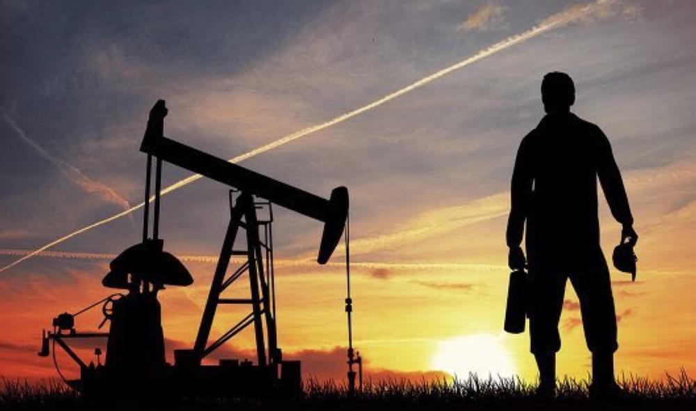 النفط يسجل 80 دولارا  للمرة الأولى منذ نوفمبر 2014