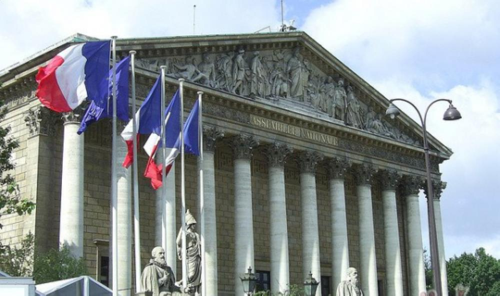 البرلمان الفرنسي يقر مشروع قانون لمكافحة التحرش