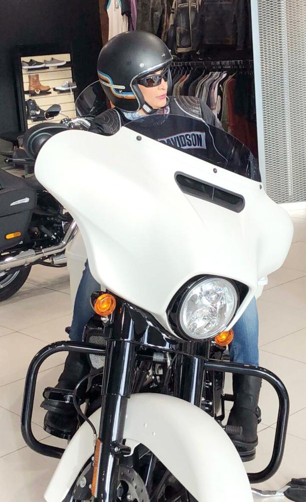 مريم المعلم: قيادة الدراجات النارية «عشقي»