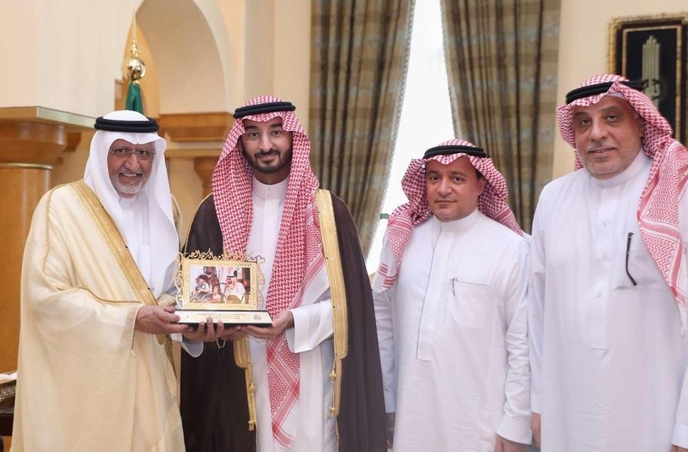 نائب أمير مكة يستقبل مستشار رئيس «الهيئة العامة للسياحة»