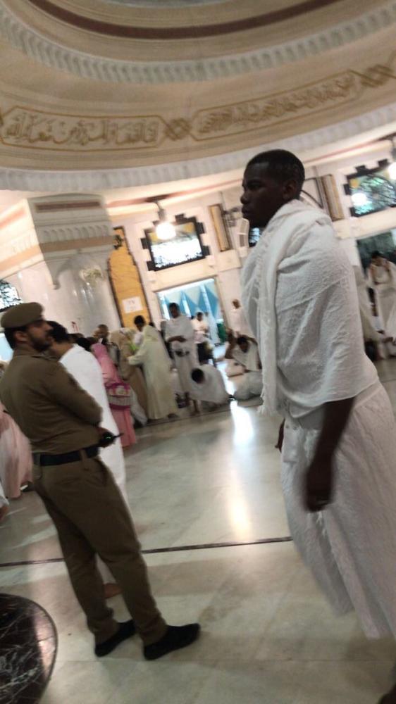 بوغبا في مكة قبل المونديال