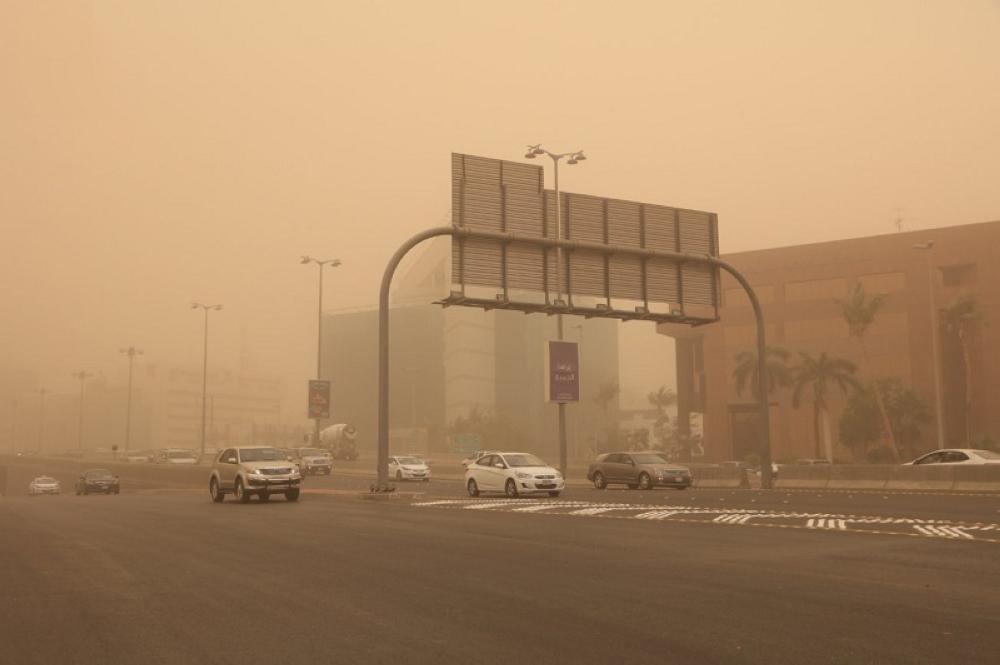«الأرصاد»: الغبار يضرب 8 مناطق.. وسحب رعدية على المرتفعات