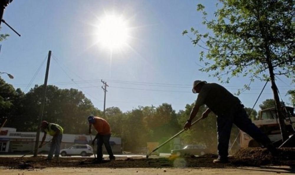 بدء تطبيق قرار منع العمل تحت أشعة الشمس.. اليوم