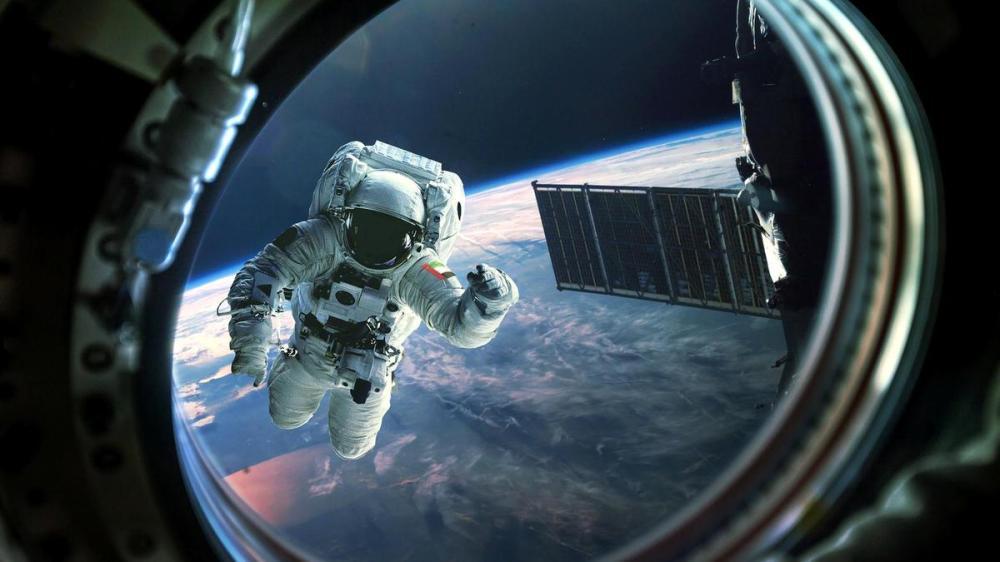 إرسال أول رائد فضاء إماراتي لمحطة الفضاء الدولية