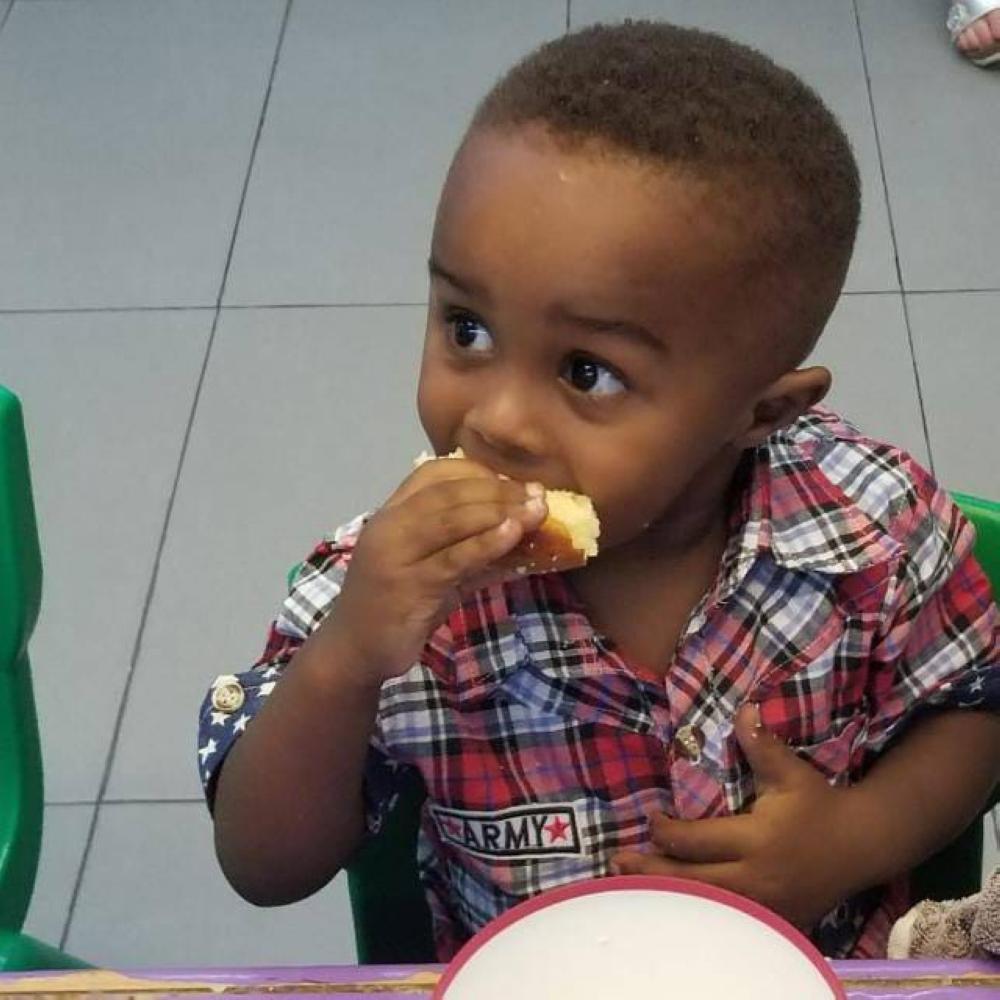 أبو «رزاق»: اخترت لقب «لاجئ» بحثاً عن مستقبل آمن لطفلي الوحيد