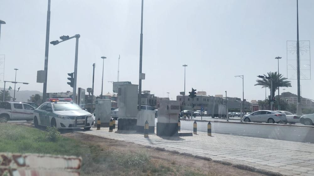 جانب من استعدادات المرور في المدينة غداة السماح للمرأة بقيادة السيارة. (تصوير: أحمد القحطاني)