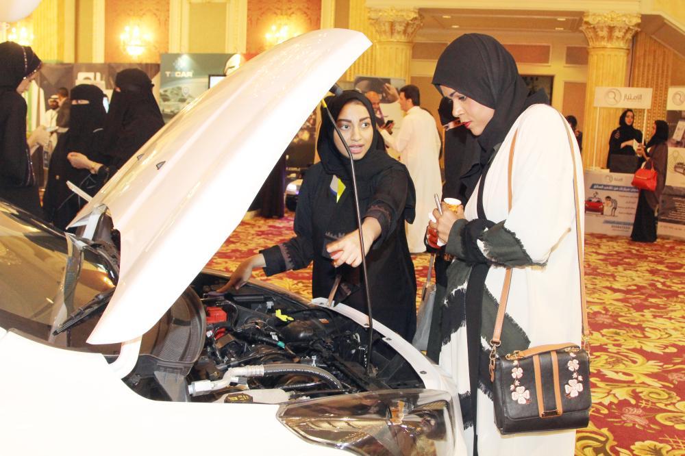 50 ألف وظيفة تنتظر السعوديات في العام الأول لقيادة السيارات