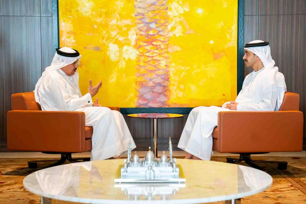 Sheikh Abdullah bin Zayed Al Nahyan, Minister of Foreign Affairs and International Cooperation, has met with Dr. Abdullatif bin Rashid Al Zayani, SG of the GCC, in Abu Dhabi today (Wednesday).