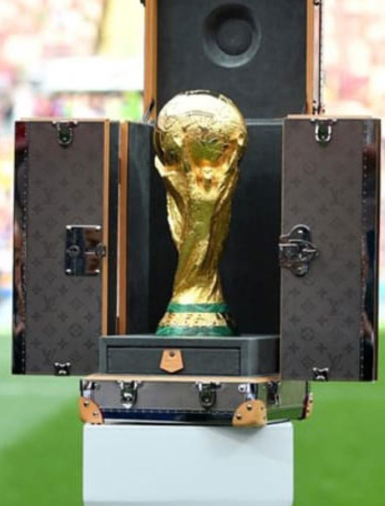 تعرف على الحقيبة المستخدمة لحفظ كأس العالم ؟
