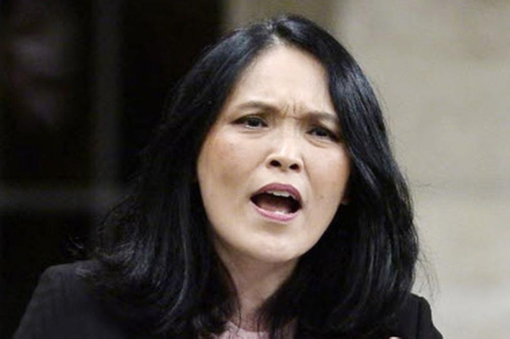 موسم الهجرة إلى كندا.. من حيل الزواج «العرفي» إلى الأختام السعودية «المزيفة»!