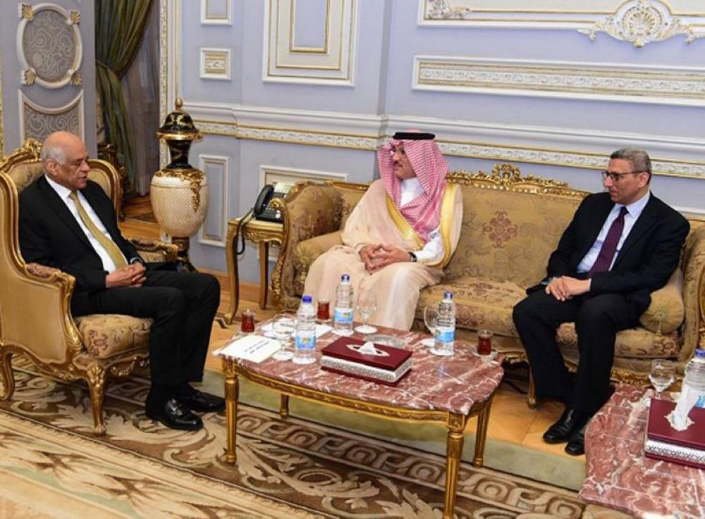 Speaker of the House of Representatives of Egypt Dr. Ali Abdel-Aal received in Cairo yesterday (Sunday) Saudi Ambassador to Egypt and the Kingdom's Permanent Representative at Arab League Osama bin Ahmed Naqali.
