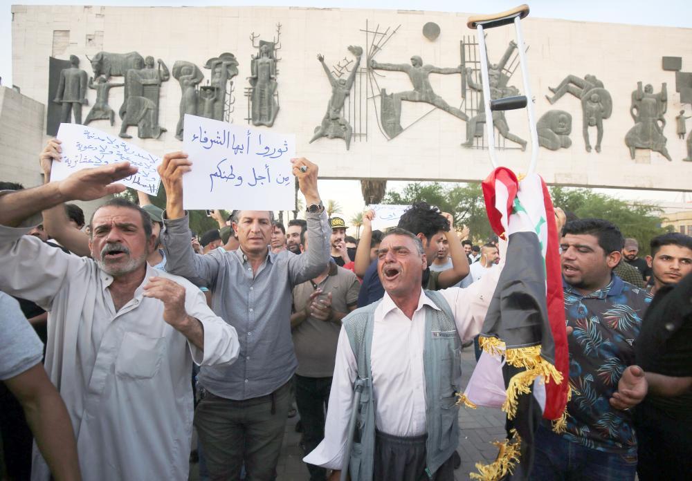 العبث الإيراني.. يهدد بحرب طائفية في العراق