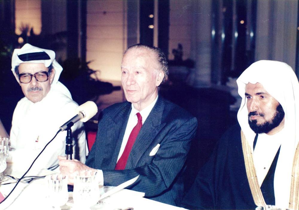 عمر أبو ريشة وأبومدين.