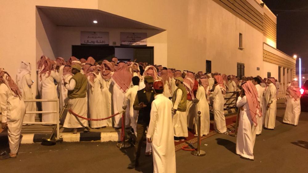 تنظيم ضعيف لحفلة الفنان محمد عبده في أبها