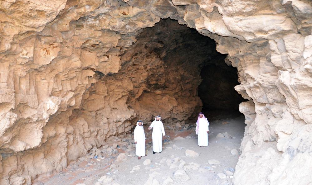 حائل تسجل استكشاف أكبر  كهف في المملكة بطول 530 مترا.
