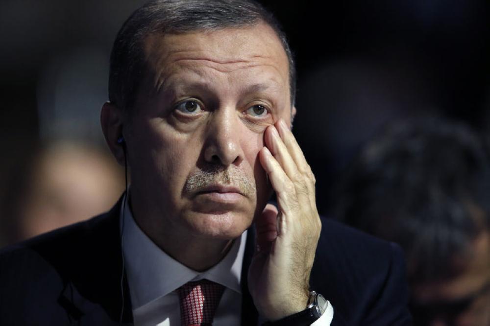 أردوغان يفاوض أمريكا سراً ويهددها علناً بمقاطعة «الآيفون»