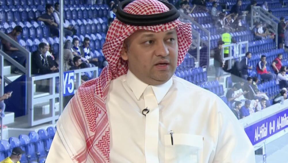 عزت يستقيل من رئاسة «اتحاد القدم»