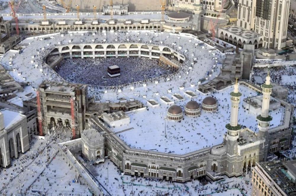 كم وصل عدد الحجاج القادمين إلى مكة حتى الساعة الـ5 من مساء يوم التروية؟