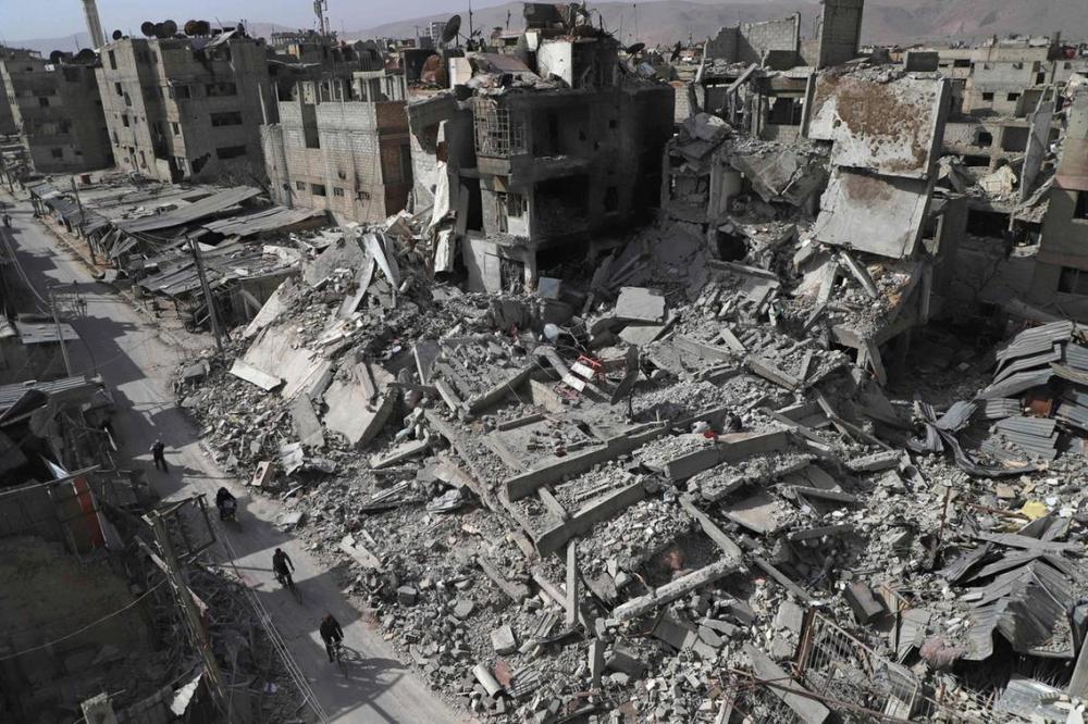 في الذكرى الـ5 لمجزرة الغوطة.. من أمر بـ«القصف الكيماوي»؟