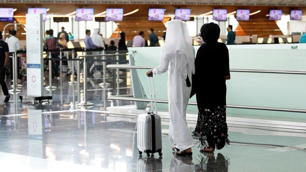 مراقبون يعزون بحث المواطنين القطريين على جنسية ثانية إلى أنهم أضحوا غرباء في بلادهم.
