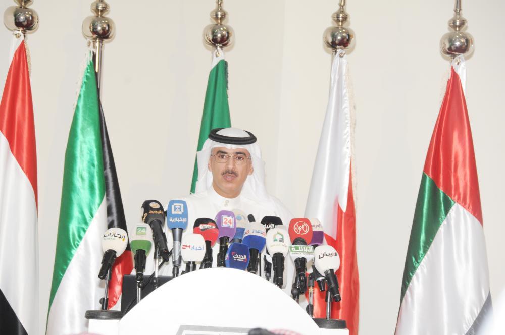 المنصور متحدثا خلال المؤتمر الصحفي. (تصوير: ماجد الدوسري)