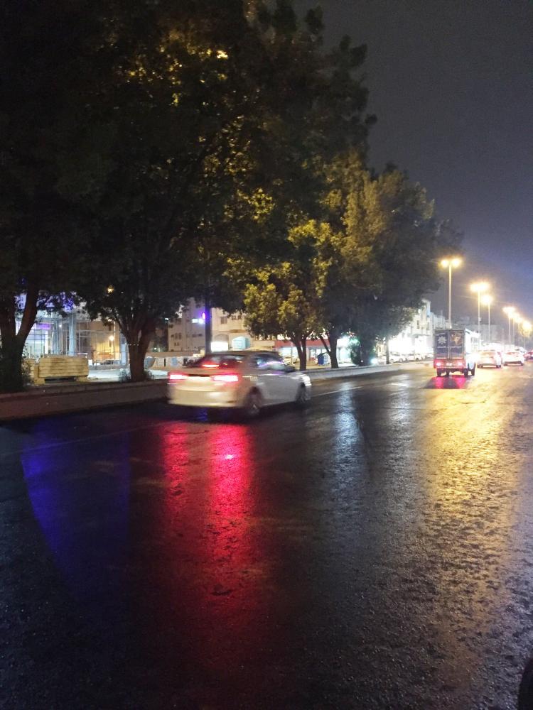 أحد شوارع جدة كما بدا أمس.