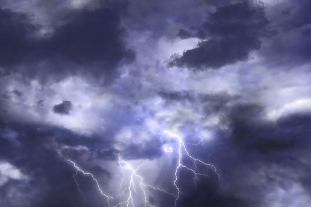 أمطار وسحب رعدية على معظم مناطق المملكة
