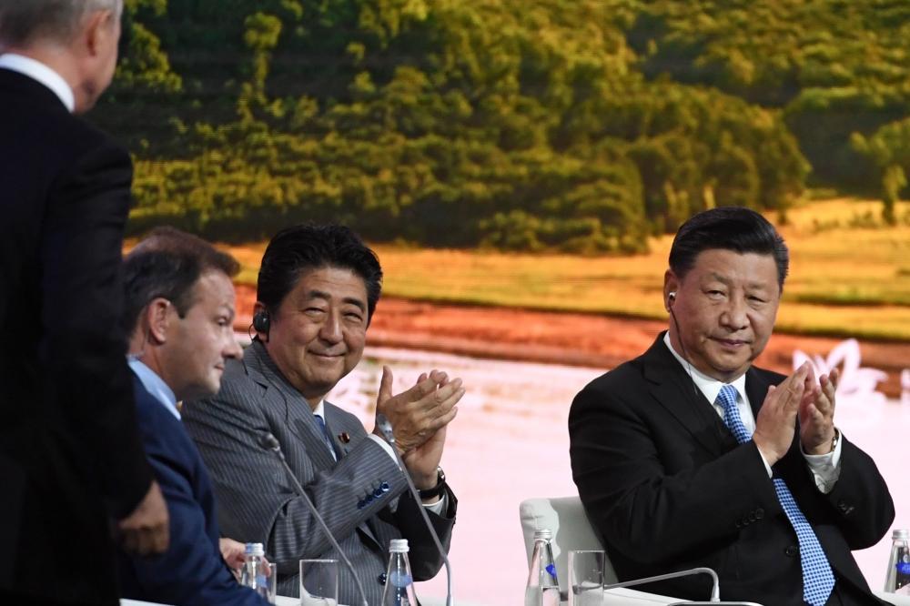 بوتين يعرض على اليابان طي الخلاف وتوقيع معاهدة سلام