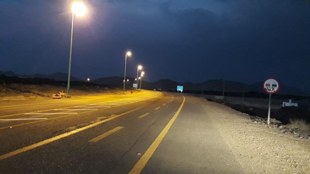 «بلدية الشبحة» تضيء تقاطع الهجمية