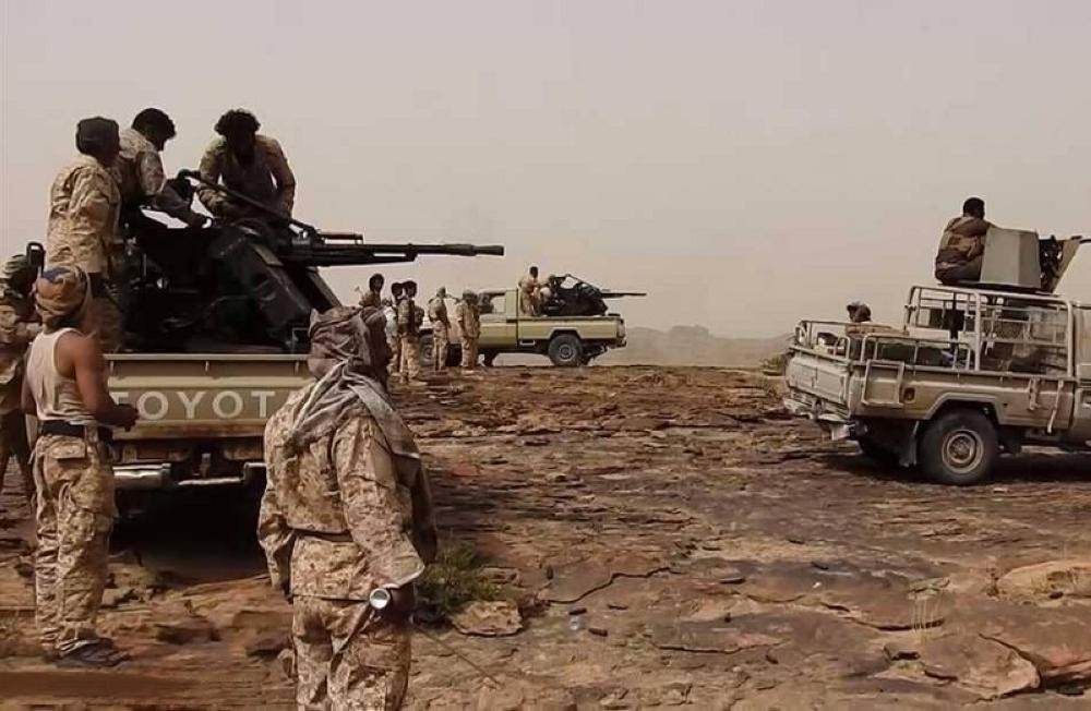 الجيش اليمني يشن هجوماً معاكساً على الانقلابيين في باقم.. ويأسر متمردين