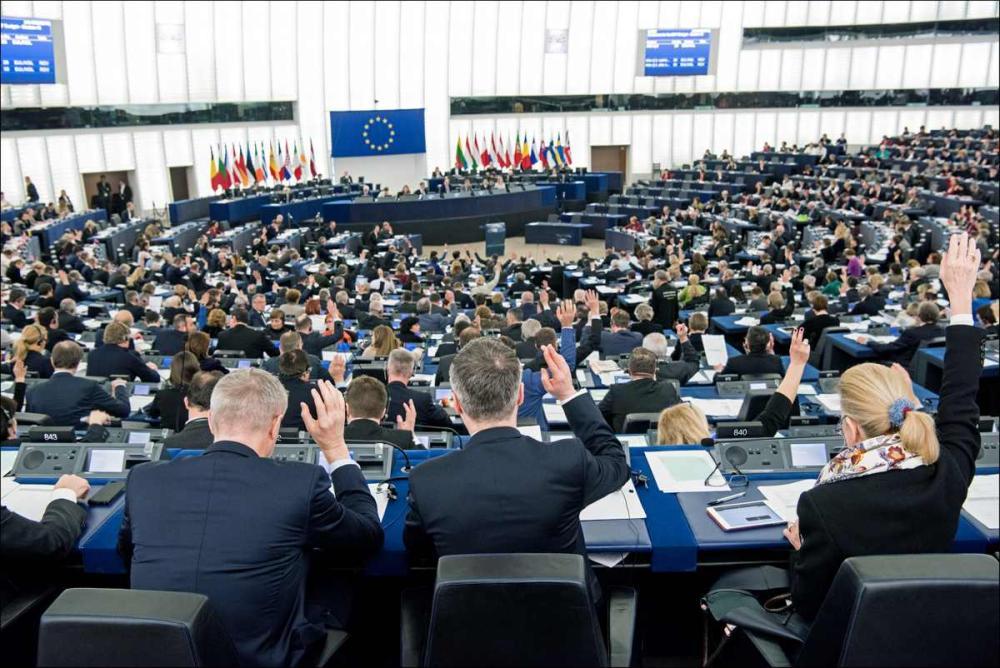 النواب الأوروبيون يقرون قانون حقوق التأليف