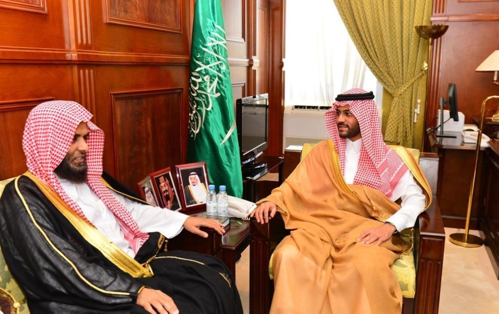 الأمير فيصل بن فهد بن مقرن يستقبل مدير فرع الشؤون الإسلامية بحائل
