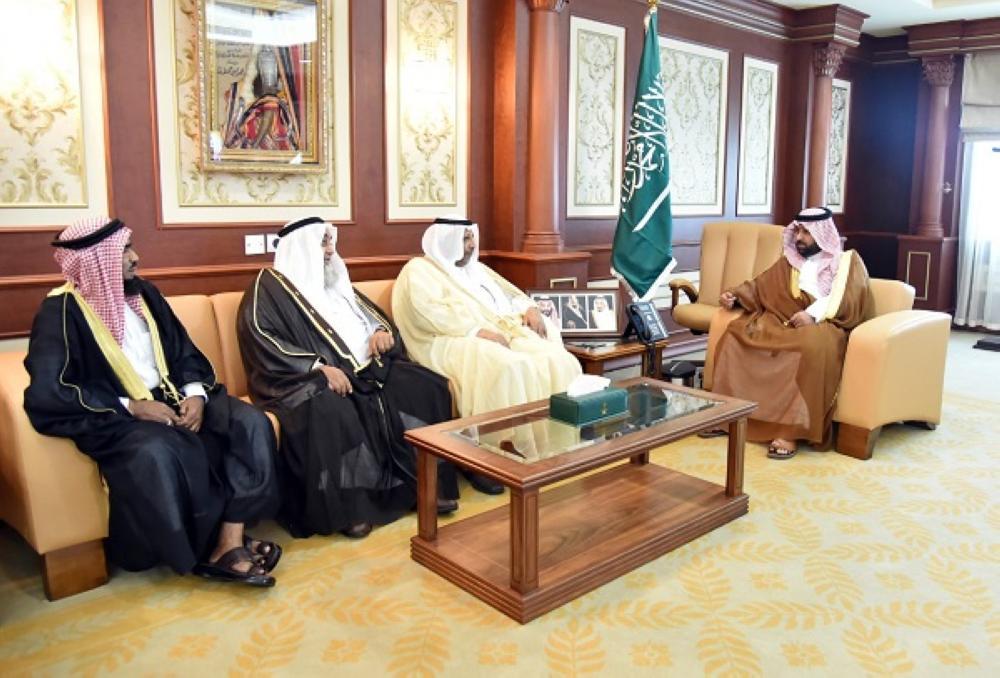نائب أمير جازان يؤكد على الدور الأمني والتنموي للمشايخ والعرفاء