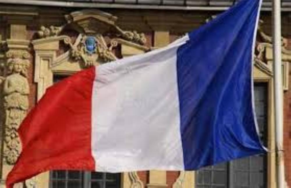 باريس تسعى للإفراج عن فرنسي يحتجزه الحوثيون