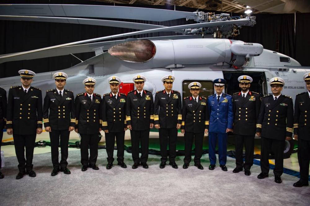 «البحرية السعودية» تدشن طائرة (MH-60R) في أمريكا