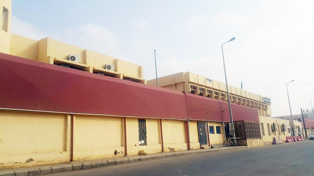 المباني المستأجرة مشكلة تؤرق طالبات جازان.  (تصوير: محمد القيسي)