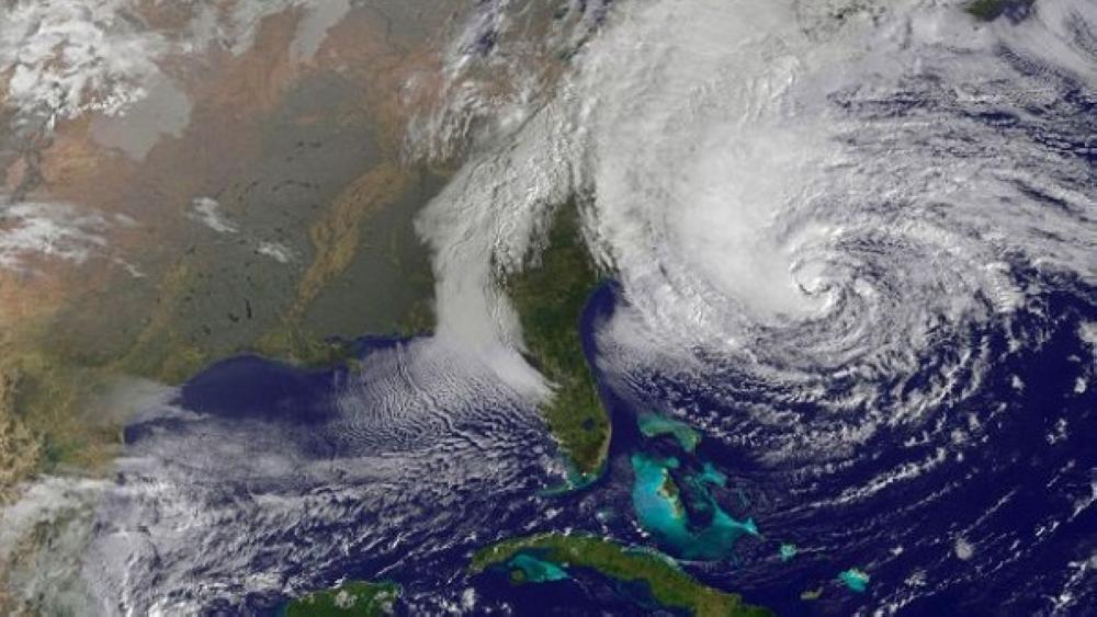 الفلبين تتأهب ترقباً لوصول إعصار مانجخوت