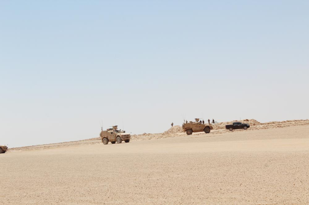 دوريات للتحالف الدولي في عمق الصحراء على الحدود العراقية ـ السورية.