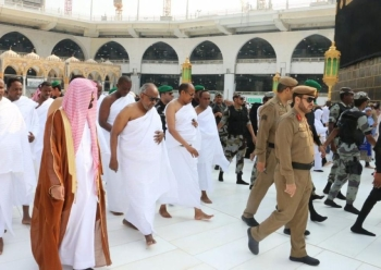 President Ismail Omar Guelleh of the Republic of Djibouti performed Umrah rituals in Makkah today (Tuesdsay).