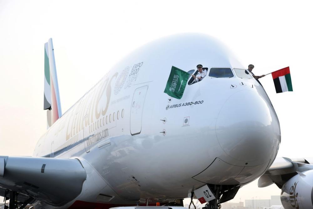 طيران الإمارات تشارك السعودية احتفالات اليوم الوطني