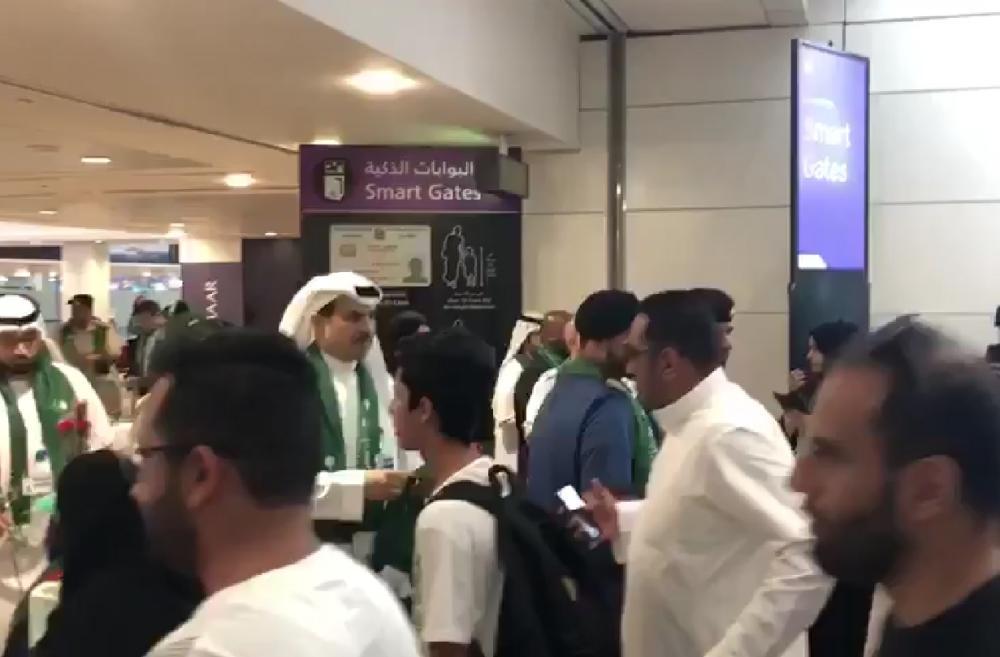 في لفتة تؤكد عمق العلاقات.. مطار دبي يحتفي باليوم الوطني السعودي الـ88