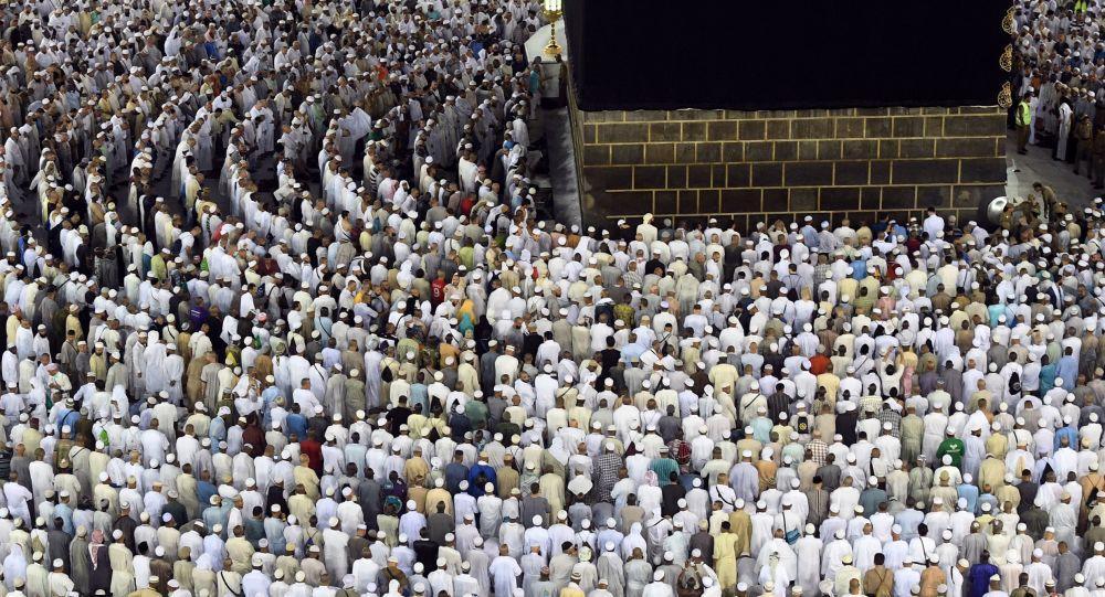 السماح للصائمين بإدخال الأطعمة للمسجد الحرام