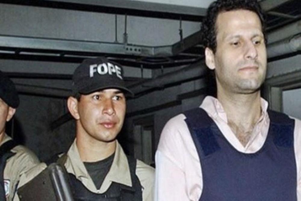 أسعد بركات لحظة القبض عليه من قبل قوات الأمن البرازيلية. (متداول)