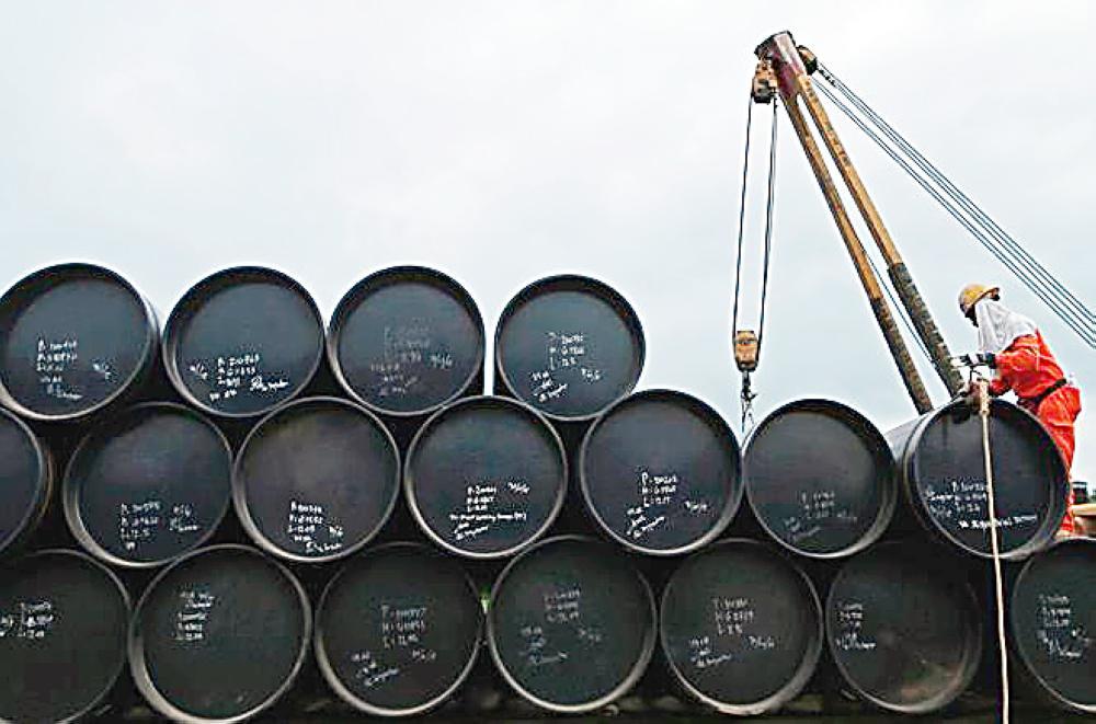 مخزونات النفط الخام الأمريكي سجلت أدنى مستوى في 3 سنوات.