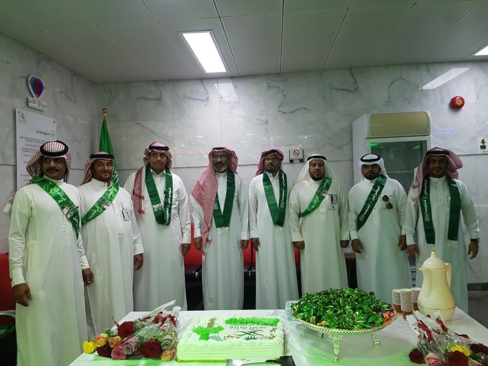 «مستشفى أملج» يحتفل باليوم الوطني