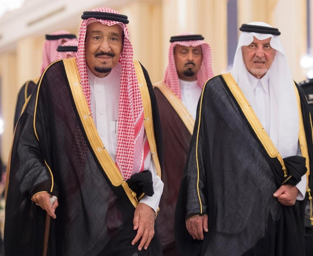 خالد الفيصل وخادم الحرمين الشريفين