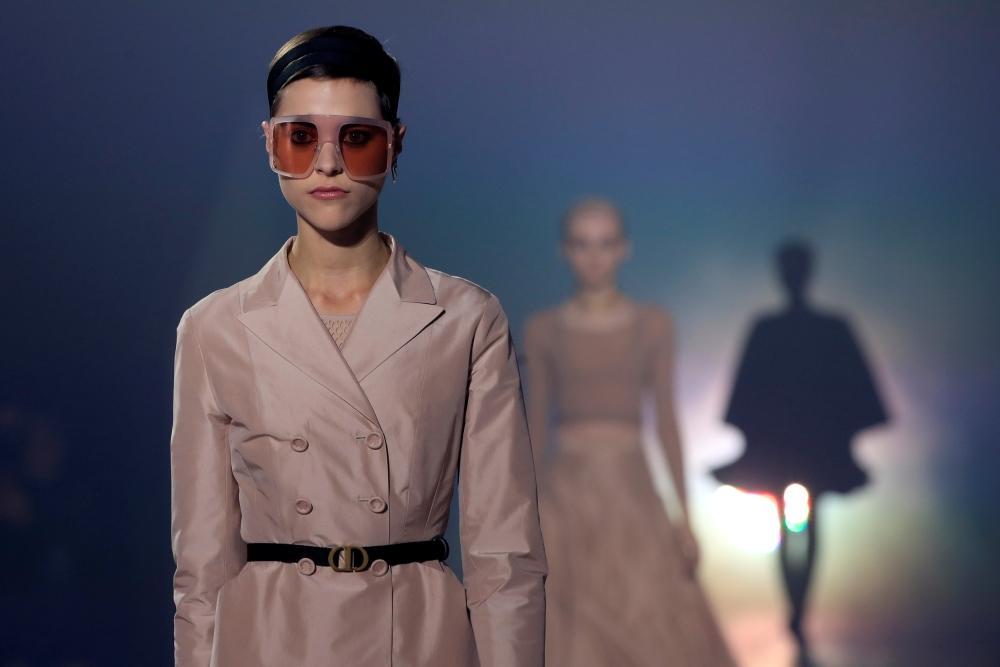 أحدث صيحات Dior في أسبوع الموضة