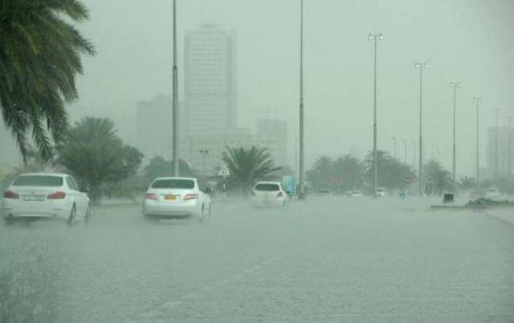 «الأرصاد»: أمطار متفرقة على وسط وغرب المملكة