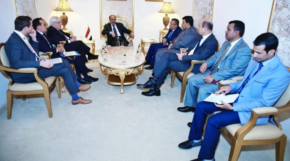 نائب الرئيس اليمني يبحث مع غريفيث الجهود الأممية المبذولة للتوصل إلى حل سلمي